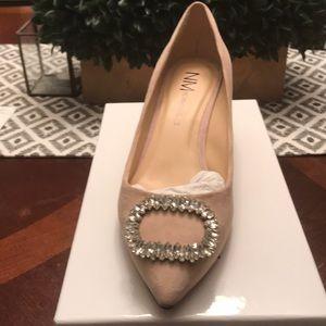 Women's blush suede heel